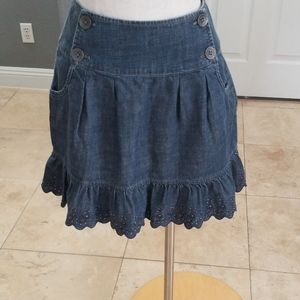Dkny jean skirt size 4